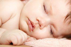 limpiar ojos recién nacido